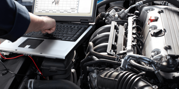 laptop-on-engine
